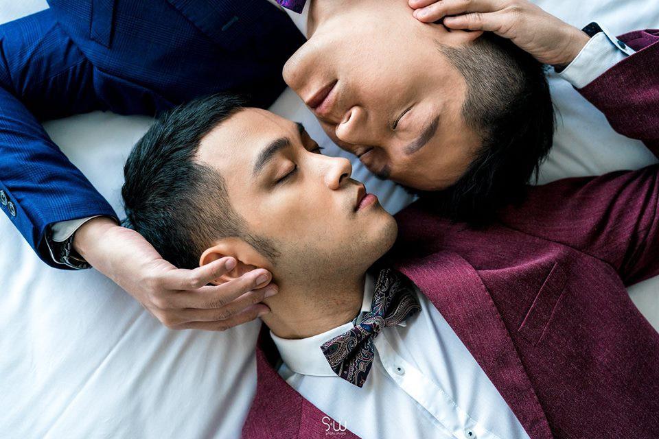 Hình ảnh đám cưới đẹp như trong mơ của cặp đôi đồng tính nam khiến nhiều người ghen tị - Ảnh 3.