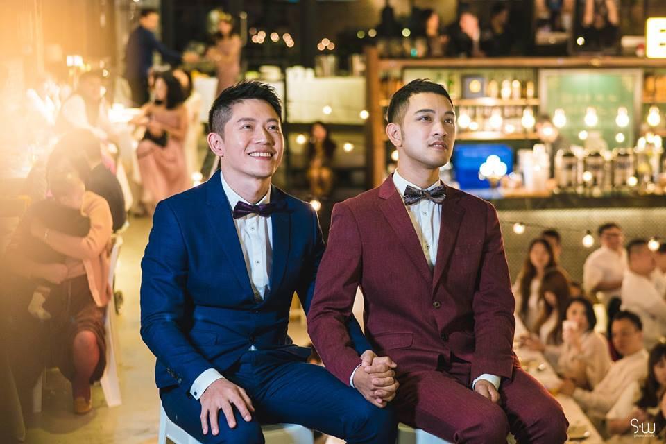 Hình ảnh đám cưới đẹp như trong mơ của cặp đôi đồng tính nam khiến nhiều người ghen tị - Ảnh 12.