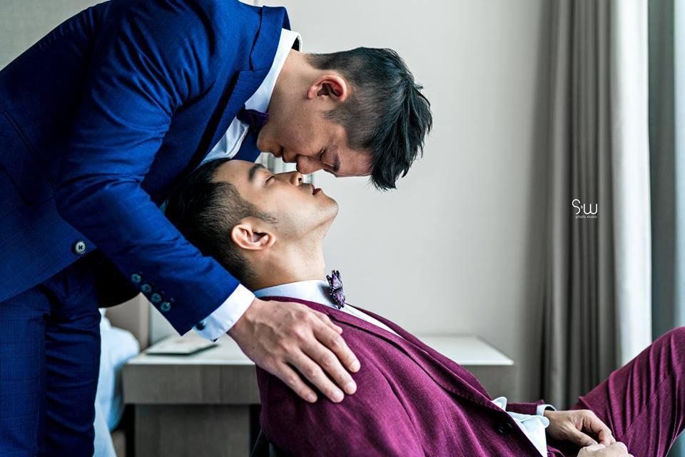 Hình ảnh đám cưới đẹp như trong mơ của cặp đôi đồng tính nam khiến nhiều người ghen tị - Ảnh 16.