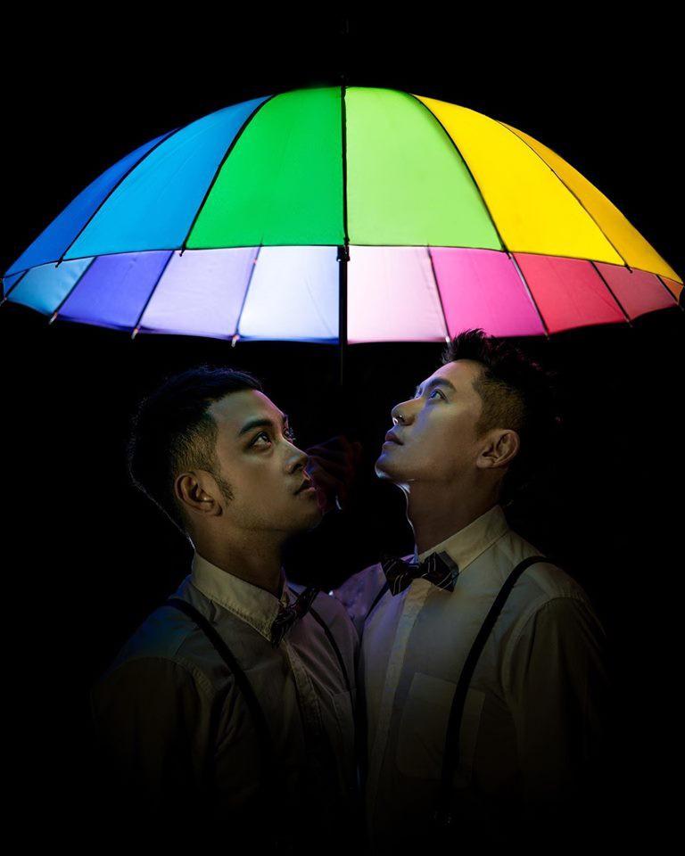 Hình ảnh đám cưới đẹp như trong mơ của cặp đôi đồng tính nam khiến nhiều người ghen tị - Ảnh 19.