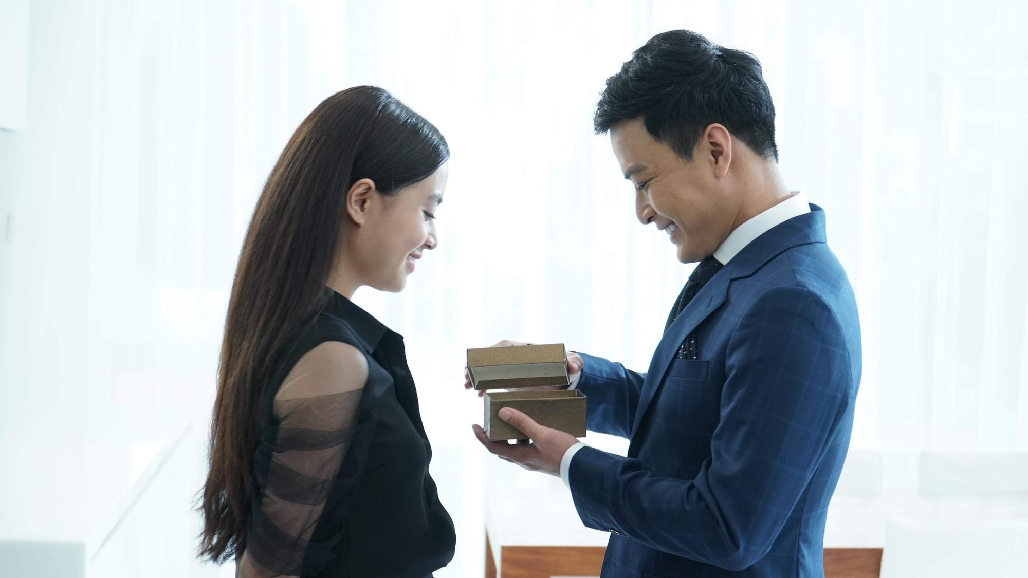 Hoàng Thùy Linh: Mê cung lớn nhất cuộc đời là giải mã chính mình  - Ảnh 2.