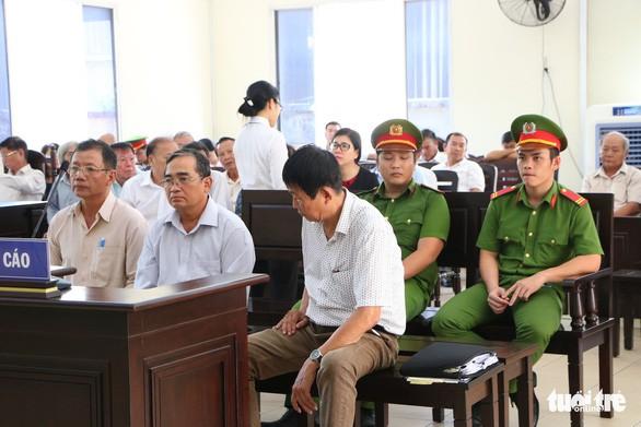 Cựu giám đốc Sở Địa chính tỉnh Bình Dương lãnh 12 năm tù vì phù phép 658ha đất - Ảnh 1.