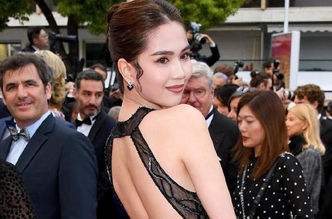 Bộ Văn hóa lên tiếng về việc Ngọc Trinh mặc phản cảm ở Cannes - Ảnh 1.