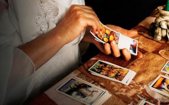 Tử vi hôm nay (21/5) qua lá bài Tarot: Lựa chọn nào cũng tốt