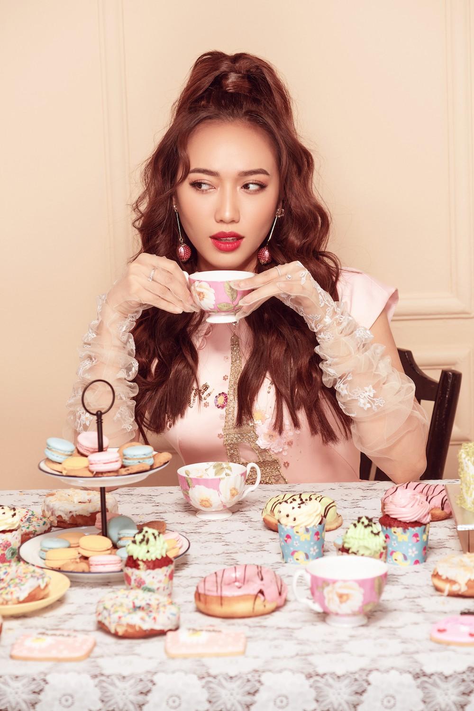 Diệu Nhi hoá công chúa ngọt ngào trong bộ ảnh mừng sinh nhật tuổi 28 - Ảnh 2.