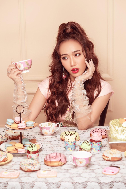 Diệu Nhi hoá công chúa ngọt ngào trong bộ ảnh mừng sinh nhật tuổi 28 - Ảnh 3.