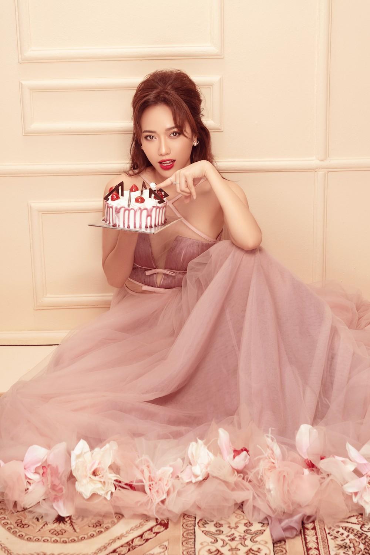 Diệu Nhi hoá công chúa ngọt ngào trong bộ ảnh mừng sinh nhật tuổi 28 - Ảnh 7.