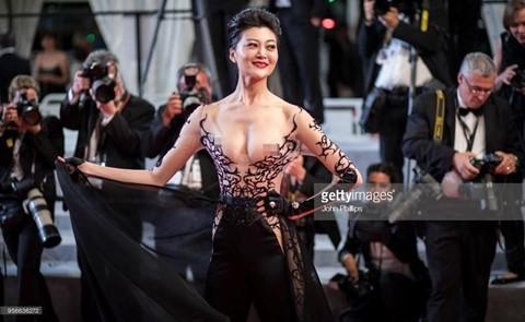 Sao nữ TQ còn gì sau màn mặc hở sốc, bị gọi là gái mại dâm ở Cannes? - Ảnh 1.