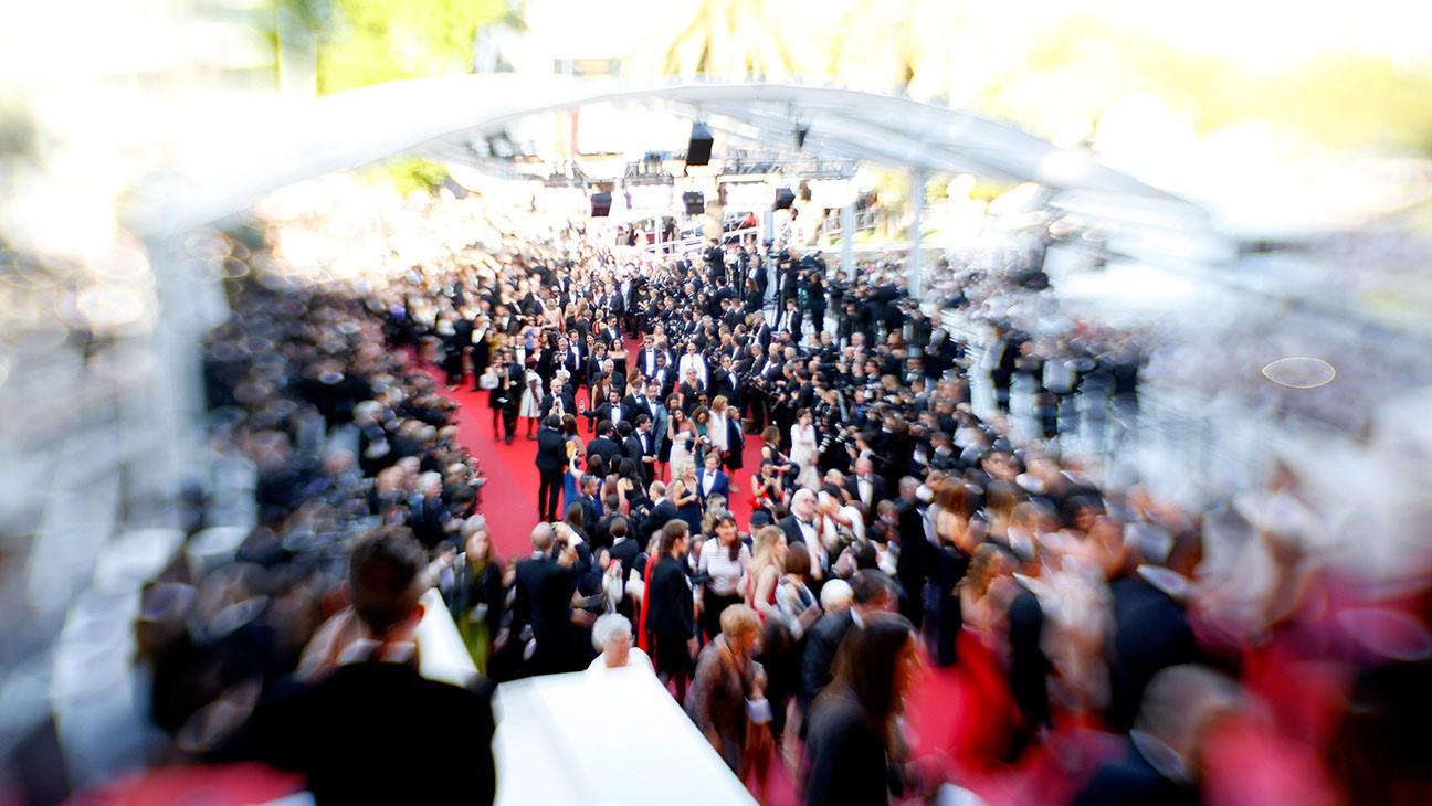 LHP Cannes: Hội chợ tình dục, gái bán dâm kiếm cả tỉ đồng mỗi đêm - Ảnh 3.