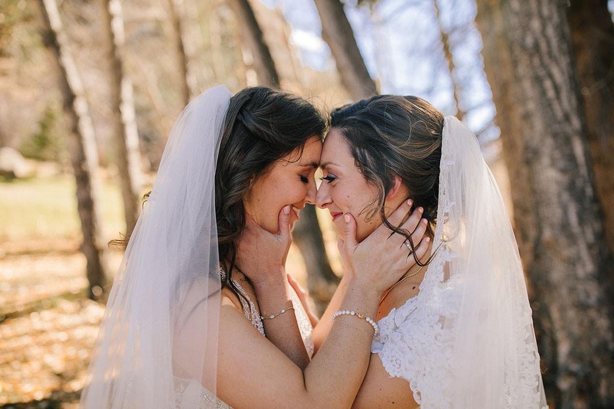 Bộ ảnh rất tình của cặp đồng tính nữ khiến cộng đồng mạng xã hội chao đảo - Ảnh 2.