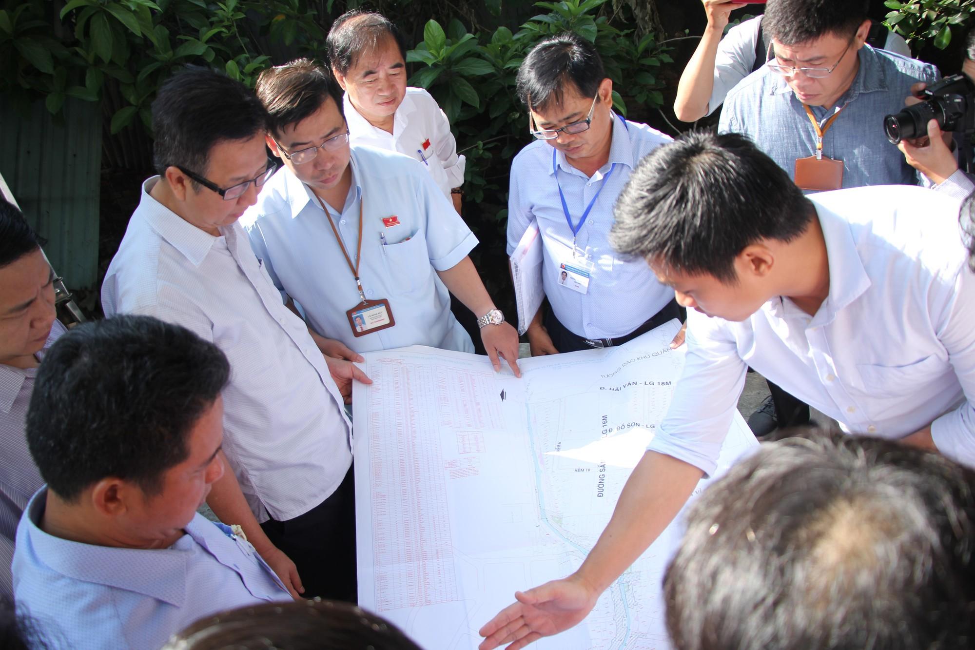 Sân bay Tân Sơn Nhất lại đối diện nguy cơ ngập do cống thoát nước thấp - Ảnh 1.