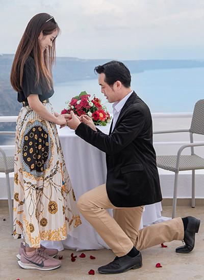 Nhạc sĩ Dương Khắc Linh chia sẻ hình ảnh cầu hôn bạn gái ở Hy Lạp  - Ảnh 2.