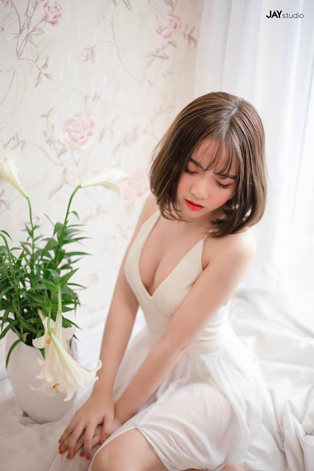 Nhan sắc đỉnh cao của hot girl Hà Phương - cháu gái Quang Cuốn - Ảnh 3.