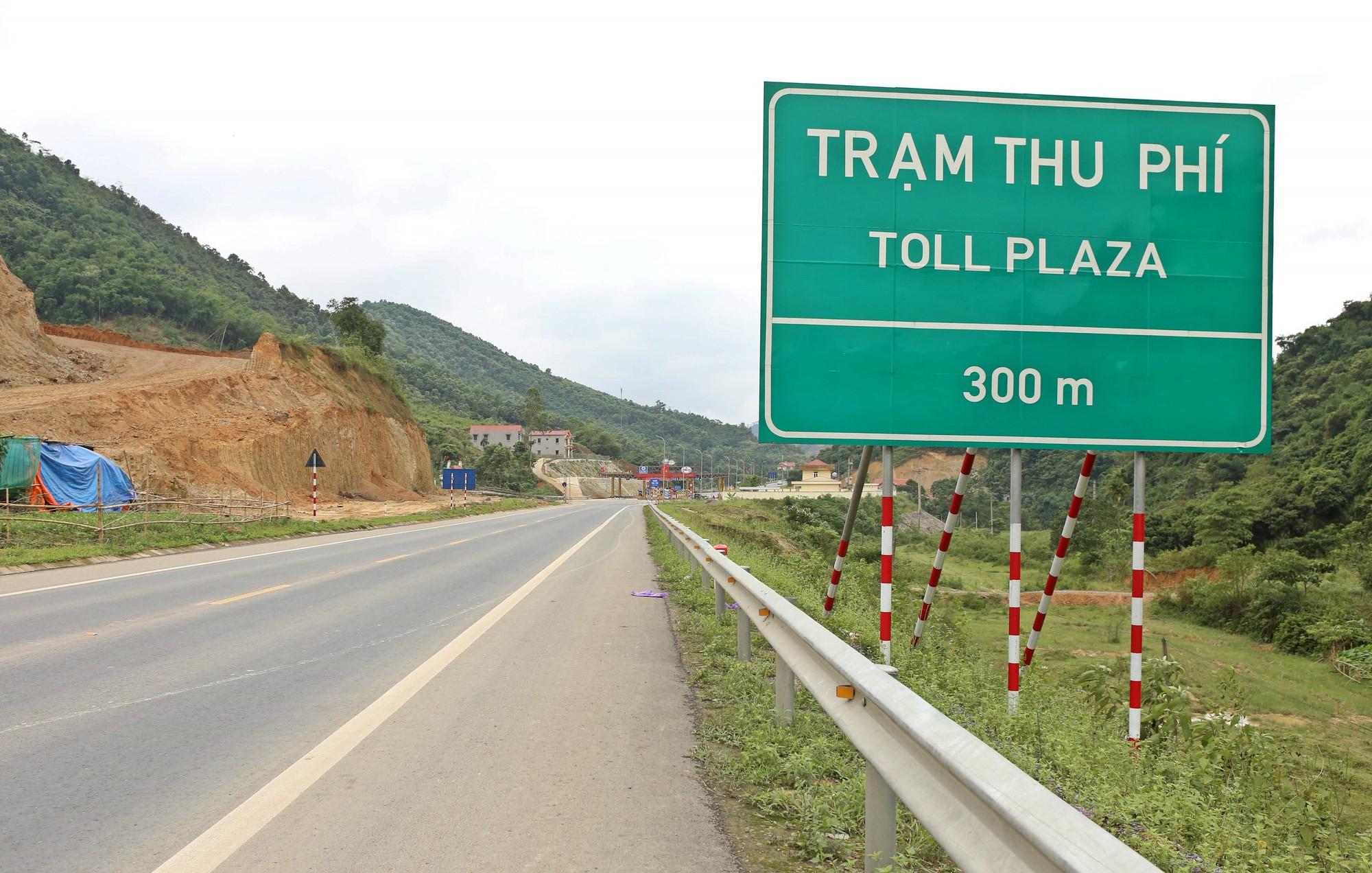 Tỉnh lộ dài khoảng 120 km nhưng có tới 6 trạm thu phí BOT - Ảnh 1.