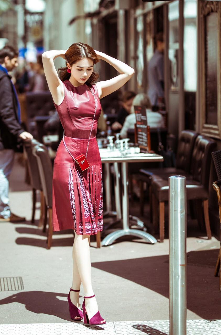 Sau bão gạch đá từ dân mạng, Ngọc Trinh đã chịu ăn mặc kín đáo tại Cannes - Ảnh 7.