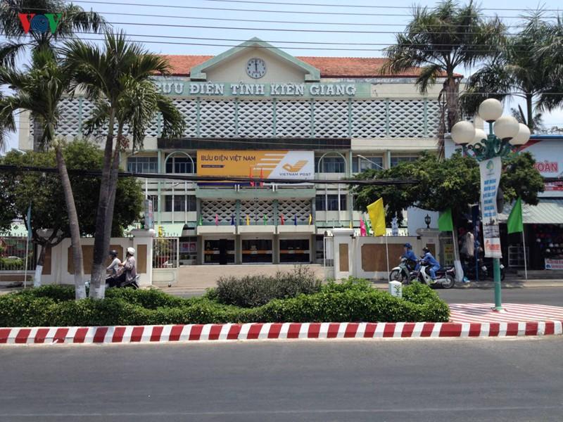 Bưu điện Kiên Giang ưu tiên tuyển con, cháu Giám đốc vào làm việc - Ảnh 1.