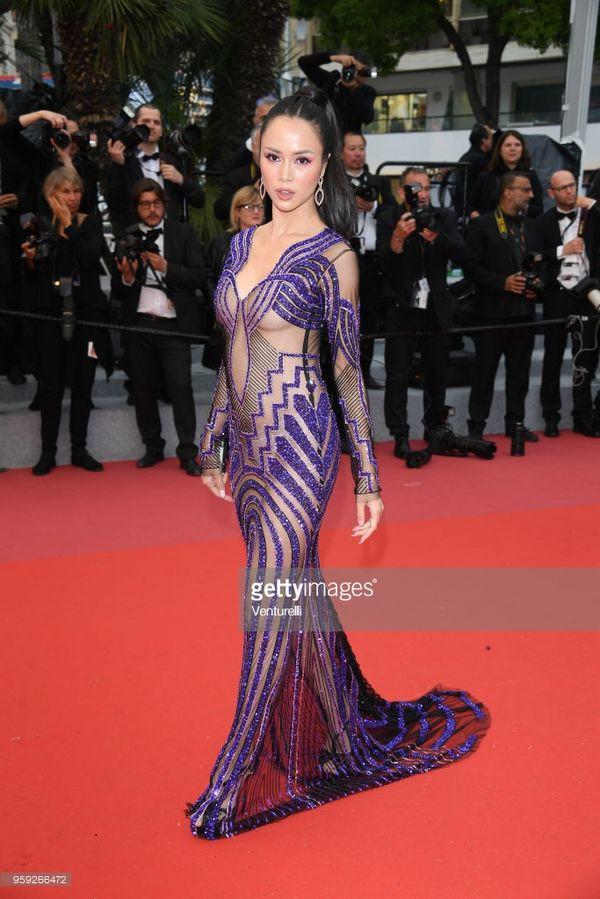 Nhìn lại những màn chưng diện của sao Việt tại Cannes - Ảnh 6.