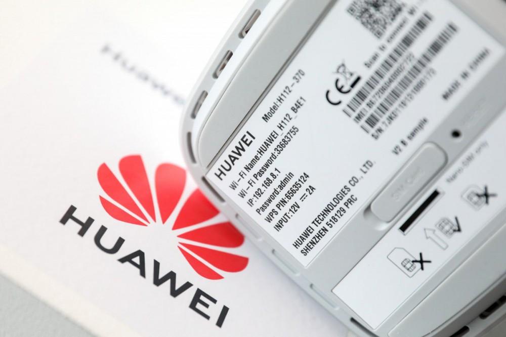 Panasonic phủ nhận ngừng hợp tác với Huawei - Ảnh 1.