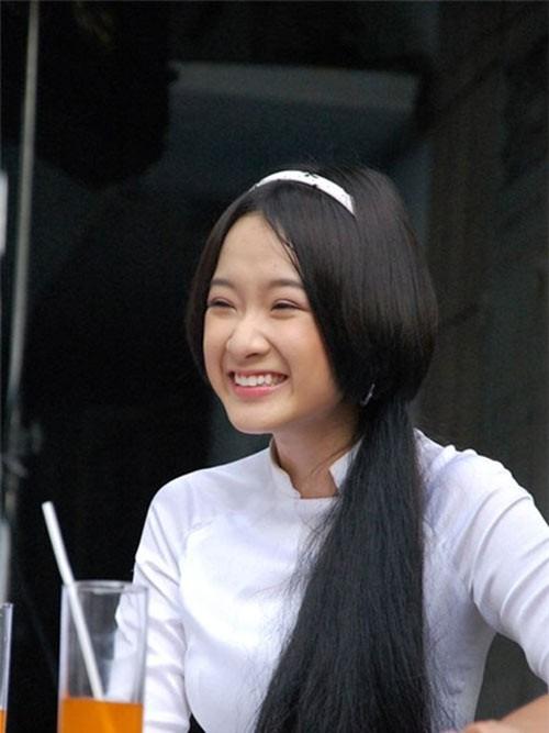 Sao nhí Việt ngày ấy - bây giờ: Người vật lộn trong showbiz, kẻ lấy chồng từ năm 19 tuổi - Ảnh 20.