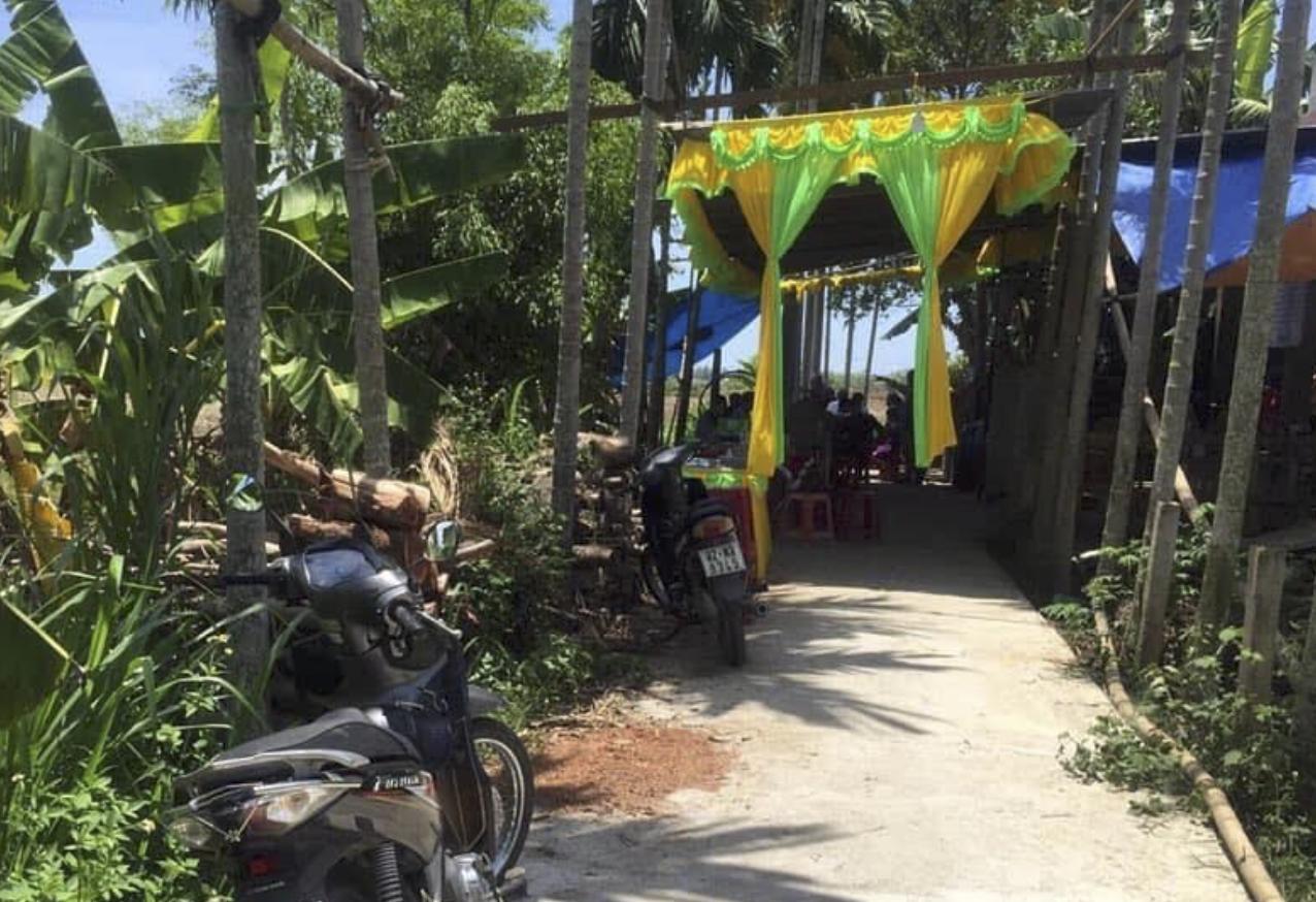 Người lái ô tô tông chết hai mẹ con ở Quảng Nam đã đầu thú - Ảnh 1.
