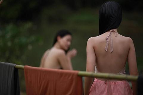 Vợ ba và việc bé gái 13 tuổi bị dạy cách khao khát tình dục - Ảnh 3.