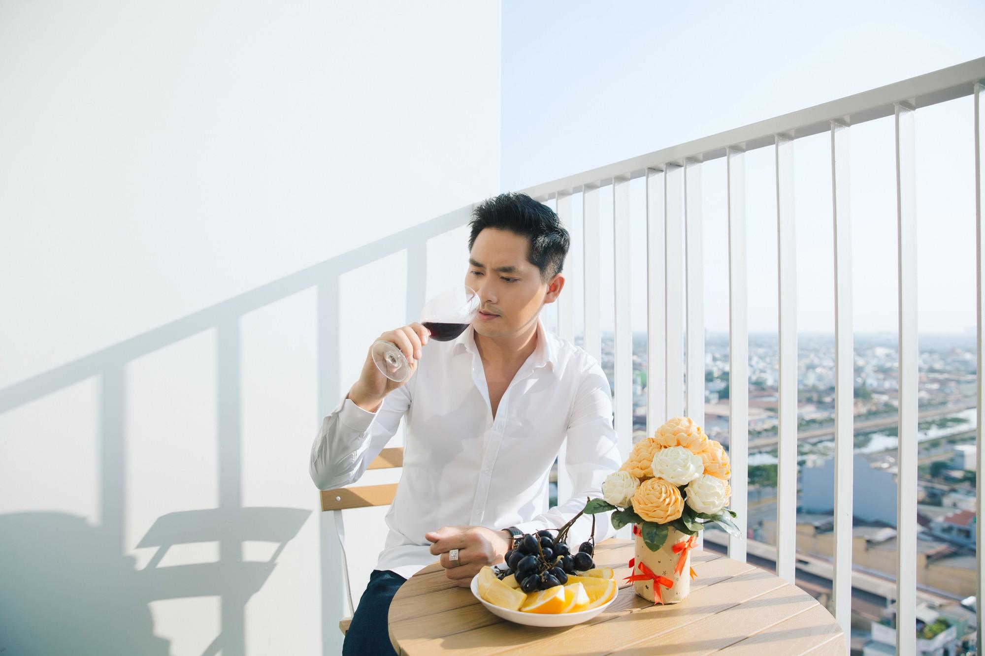 Diễn viên Minh Luân tự hào khoe căn hộ rộng 100 m2 sau 10 năm lập nghiệp ở TP HCM  - Ảnh 7.