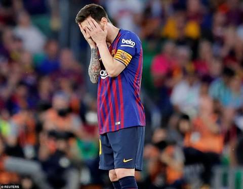 Barca thua Valencia - mặt trái của thiên tài Messi - Ảnh 1.