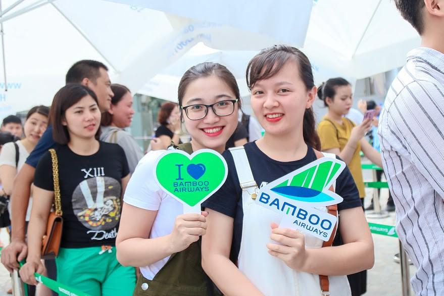 Hàng nghìn người săn vé máy bay ưu đãi tại Bamboo Airways Tower 265 Cầu Giấy - Ảnh 8.