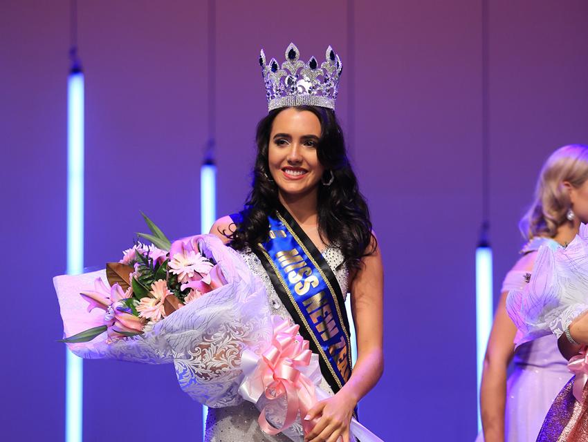 Nhan sắc Hoa hậu Thế giới New Zealand 2019 vừa lộ diện - Ảnh 2.