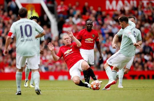 Ferguson tái xuất, Man United đè bẹp Bayern Munich ở Old Trafford - Ảnh 6.
