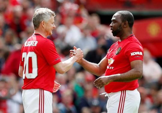 Ferguson tái xuất, Man United đè bẹp Bayern Munich ở Old Trafford - Ảnh 7.