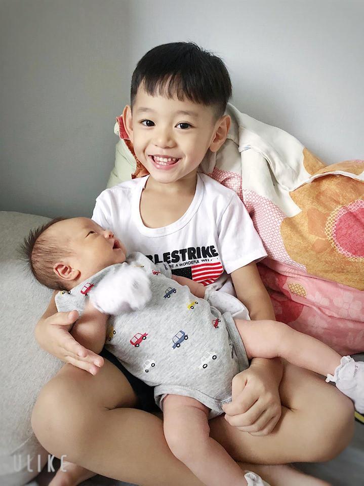 Sao Việt hôm nay (27/5): Đan Trường lo lắng giảm trí nhớ vì mất ngủ, HHen Niê tình tứ bên trai lạ - Ảnh 2.
