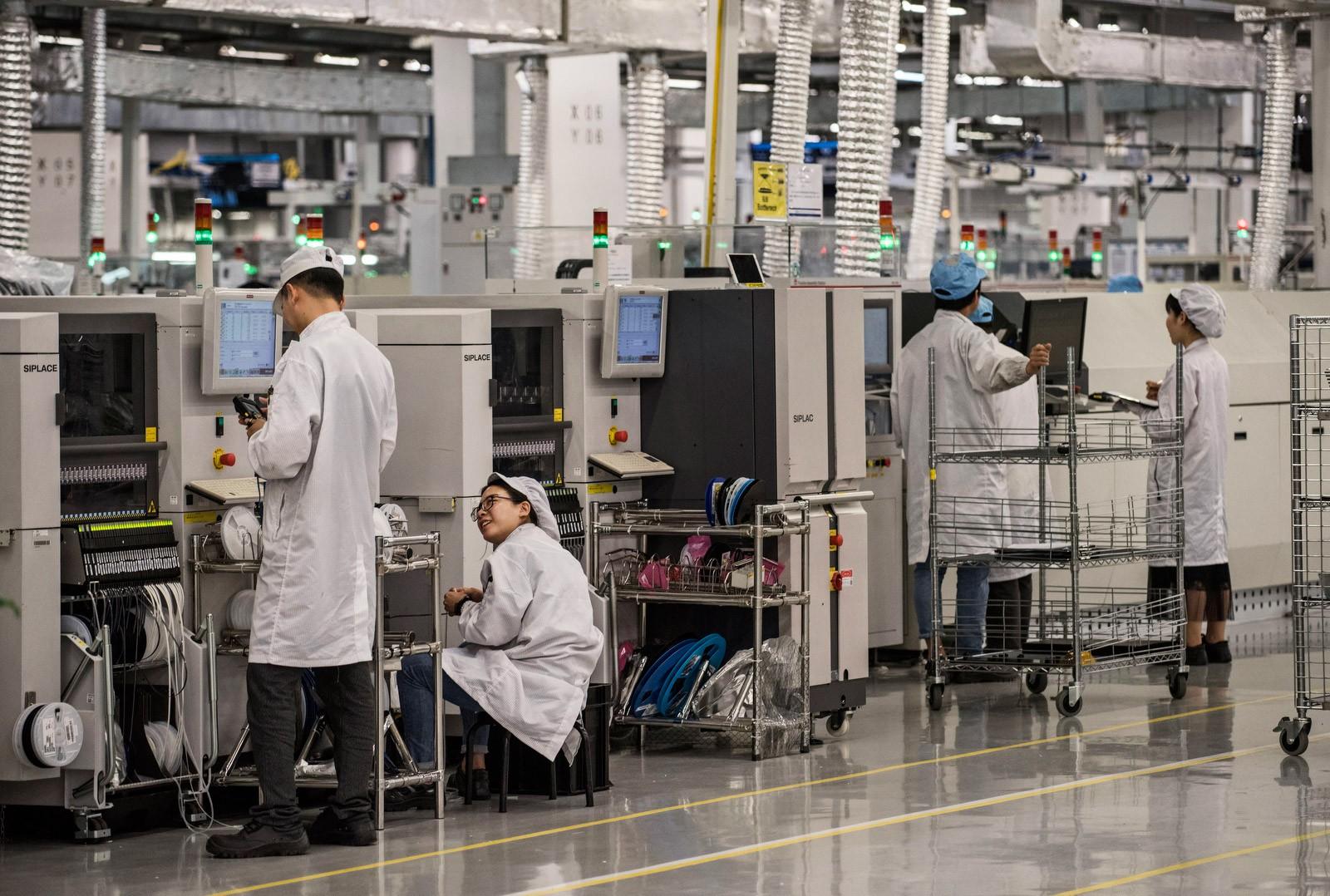 Bên trong Huawei: Đế chế công nghệ bí ẩn của thế giới nhưng là niềm mơ ước của người lao động Trung Quốc - Ảnh 3.