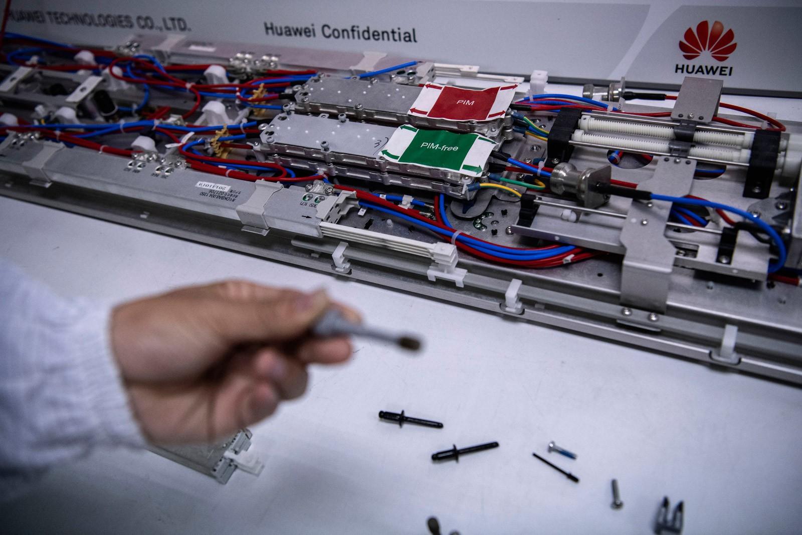 Bên trong Huawei: Đế chế công nghệ bí ẩn của thế giới nhưng là niềm mơ ước của người lao động Trung Quốc - Ảnh 4.