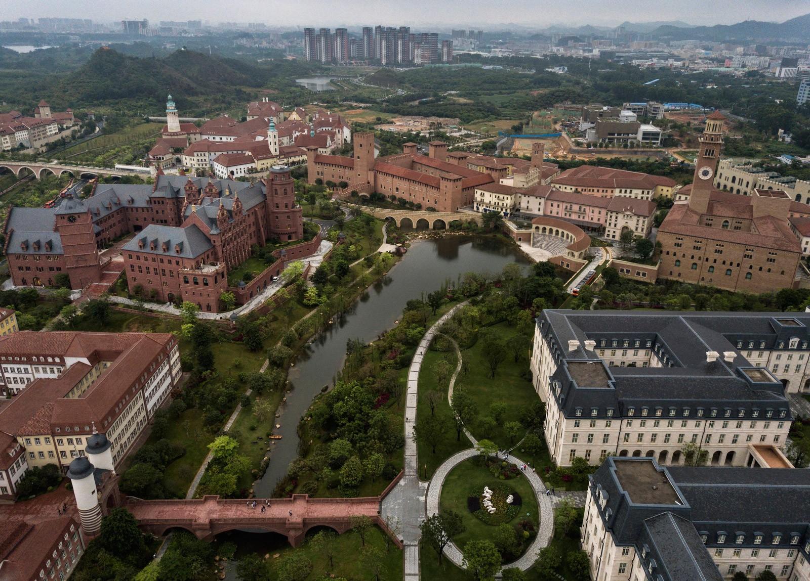 Bên trong Huawei: Đế chế công nghệ bí ẩn của thế giới nhưng là niềm mơ ước của người lao động Trung Quốc - Ảnh 10.