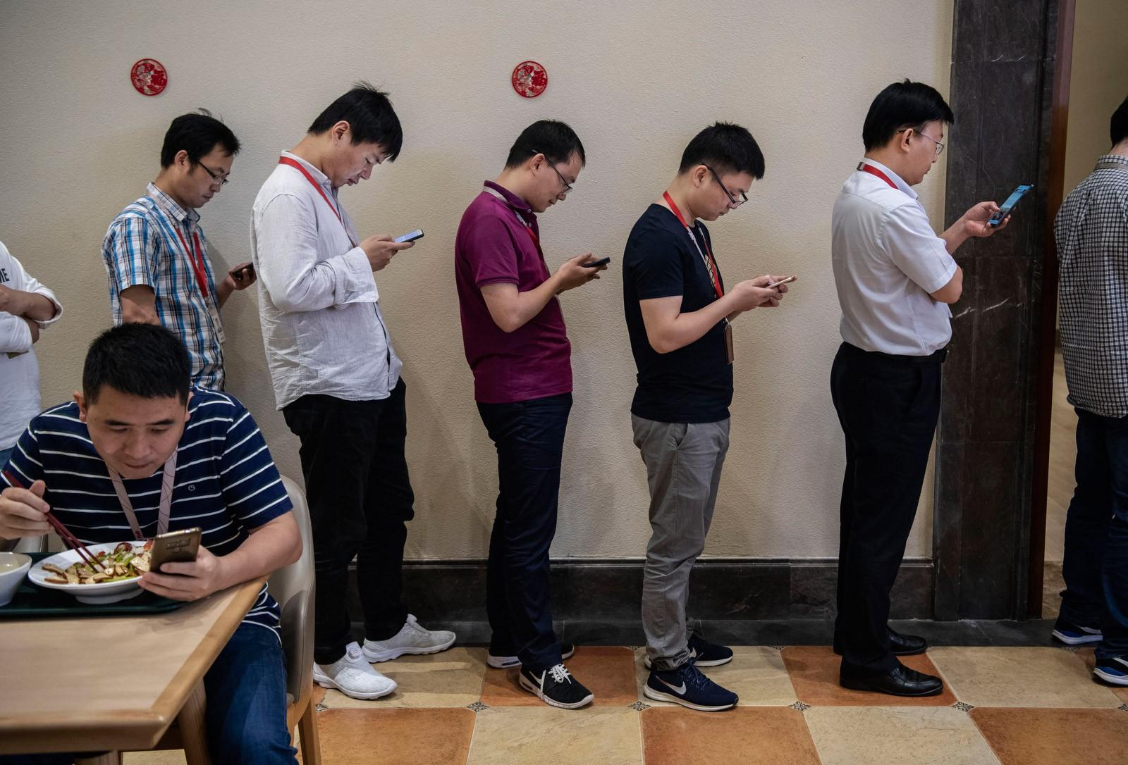 Bên trong Huawei: Đế chế công nghệ bí ẩn của thế giới nhưng là niềm mơ ước của người lao động Trung Quốc - Ảnh 11.