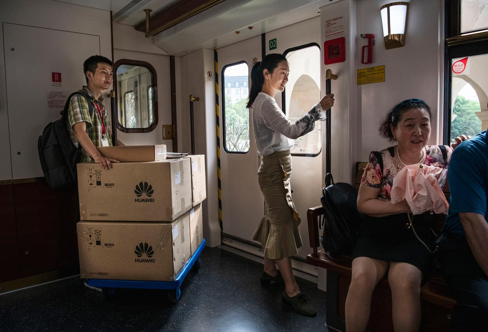 Bên trong Huawei: Đế chế công nghệ bí ẩn của thế giới nhưng là niềm mơ ước của người lao động Trung Quốc - Ảnh 14.