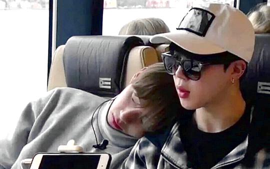 Những tình anh em trong giới giải trí Hàn Quốc khiến fan đẩy thuyền đam mỹ mê mệt (P.1)  - Ảnh 4.