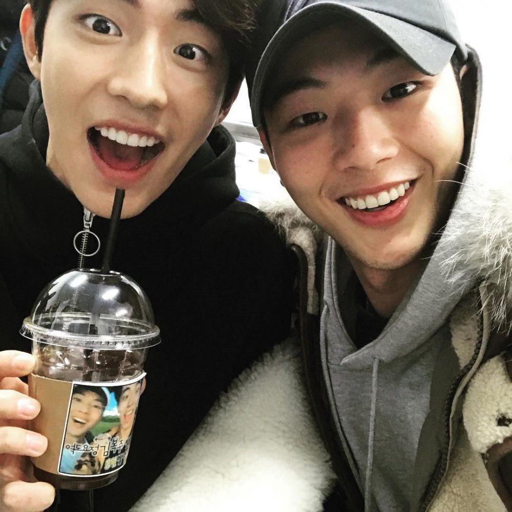 Những tình anh em trong giới giải trí Hàn Quốc khiến fan đẩy thuyền đam mỹ mê mệt (P.1)  - Ảnh 11.