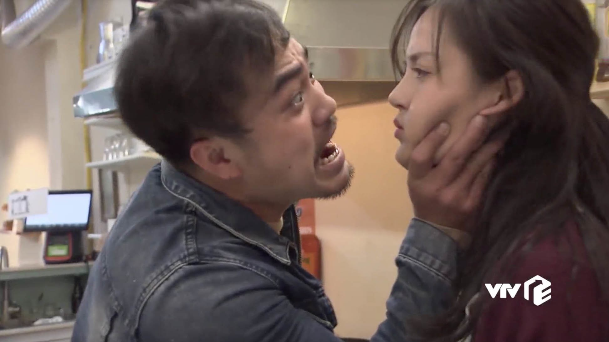 Trọng Hùng Về nhà đi con: Vợ bảo trông tôi trên phim rất đáng sợ - Ảnh 2.