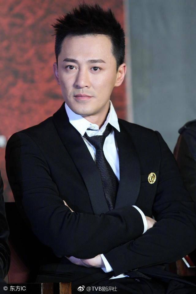 Những ngôi sao TVB có xuất thân danh gia vọng tộc - Ảnh 2.