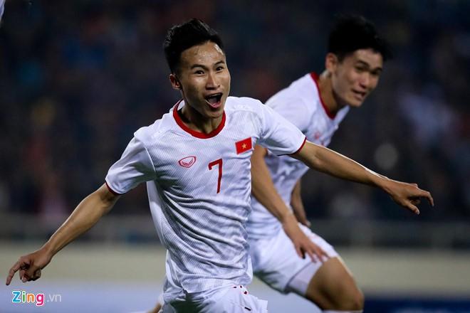 Danh sách tuyển Việt Nam dự King's Cup: Kỳ lạ và an toàn - Ảnh 3.