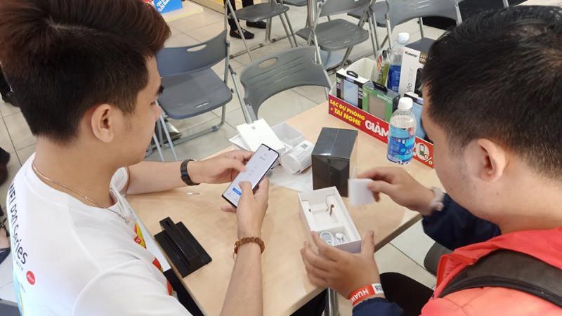 Thế Giới Di Động, FPT, Digiworld sẽ bị ảnh hưởng thế nào trong cuộc khủng hoảng Huawei? - Ảnh 2.