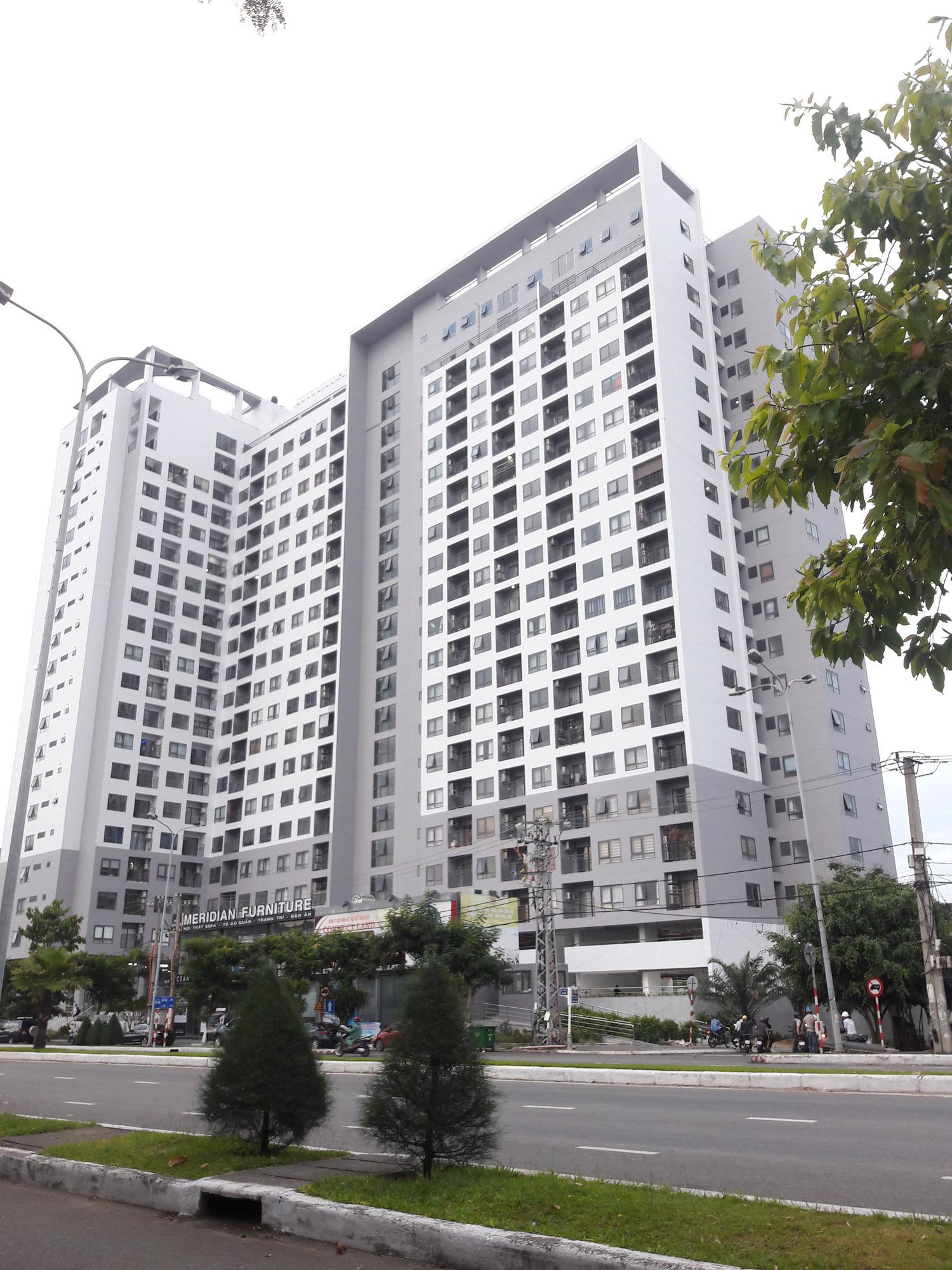 Chung cư cao cấp The Summit ở Đà Nẵng chưa đủ pháp lí đã bán căn hộ, đưa dân vào ở - Ảnh 1.