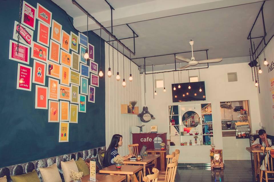Gọi tên những quán cà phê ở TP. HCM là nơi tụ họp thường xuyên của người LGBT - Ảnh 12.