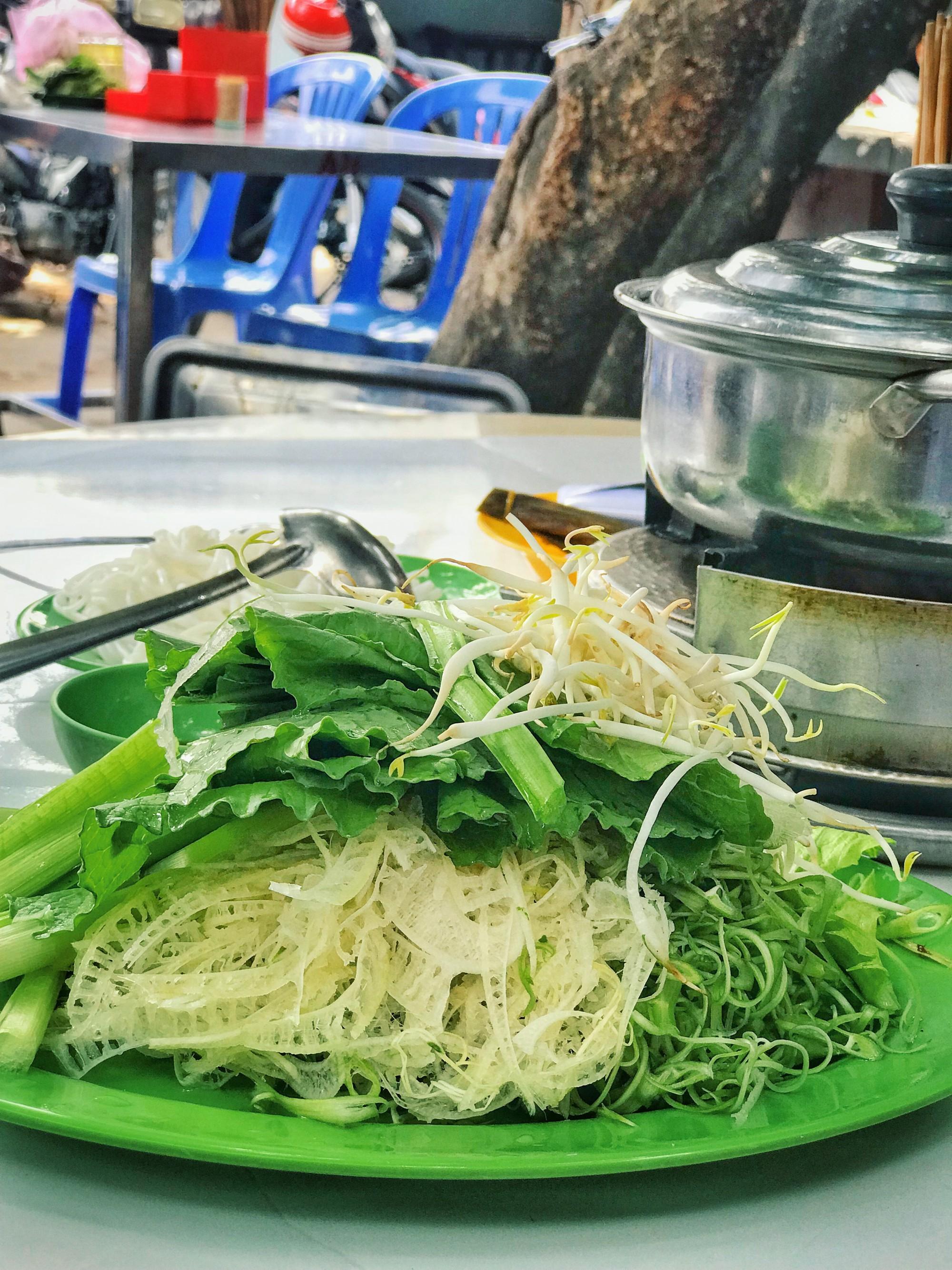 Quán lẩu bò nổi tiếng khiến người Sài Gòn lặn lội hàng chục cây số đến thưởng thức - Ảnh 6.