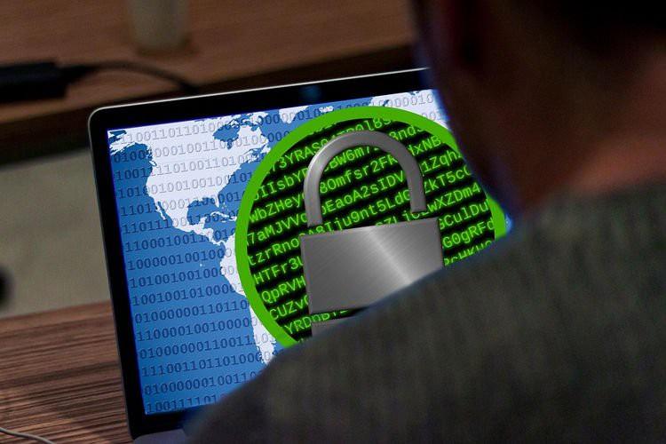 Chiếc Laptop cũ bị nhiễm 6 loại virus nguy hiểm được bán với giá 1,2 triệu USD - Ảnh 1.
