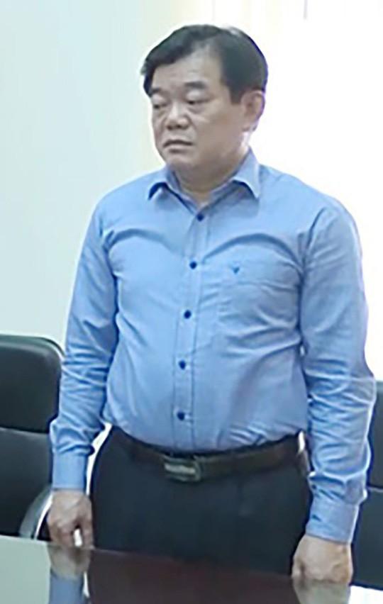 Vụ gian lận điểm thi ở Sơn La: Giám đốc Sở GD-ĐT Hoàng Tiến Đức khai gì khi bị triệu tập? - Ảnh 1.
