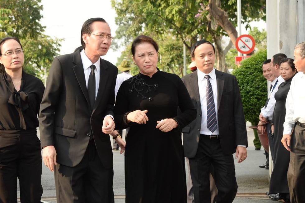 Thủ tướng Nguyễn Xuân Phúc đón linh cữu nguyên Chủ tịch nước Lê Đức Anh tại Nghĩa trang TP HCM - Ảnh 5.