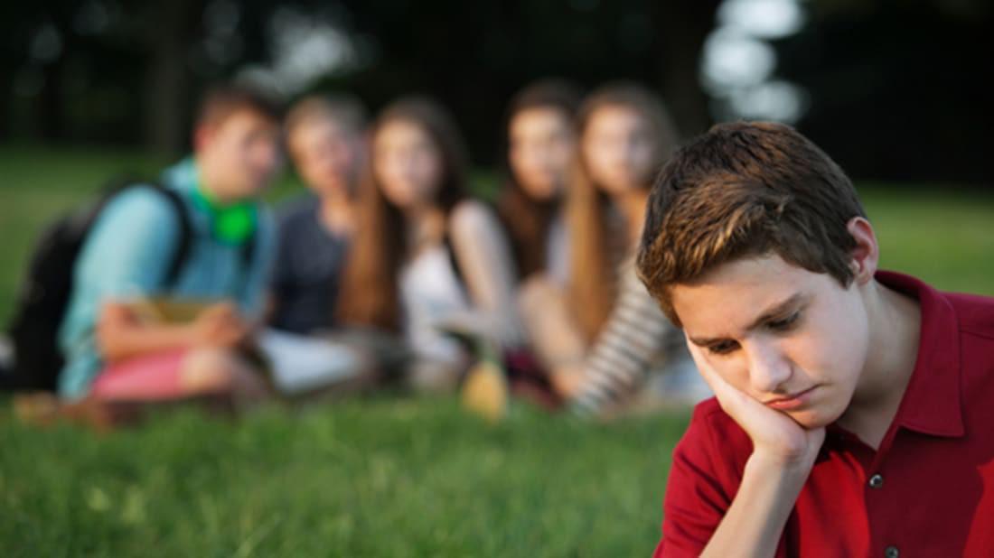 57% người LGBT đánh mất người thân hoặc bạn bè sau khi come out - Ảnh 1.